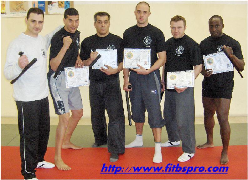 instructeurs f i t b s  pro   tonfa b u00e2ton et self d u00e9fense pro